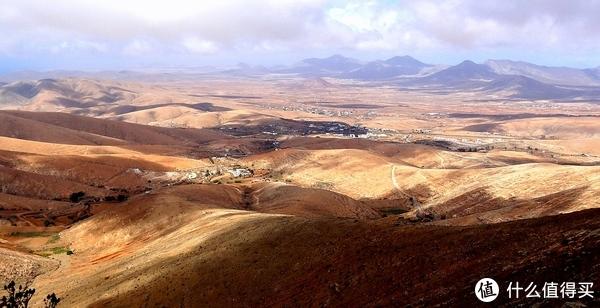 ▲东岛群的Lanzarote被称作是地球上最像月球的地方之一(图自Maxpixel)