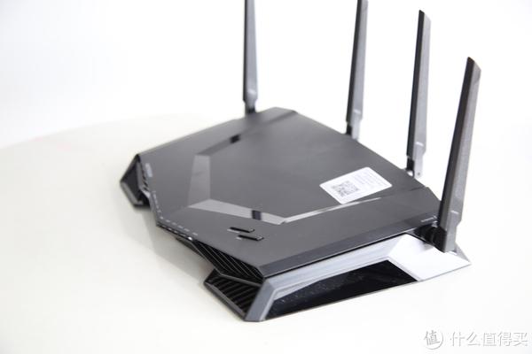 晒一下穷直男游戏男主播的电竞装备之一:网件XR500电竞路由器