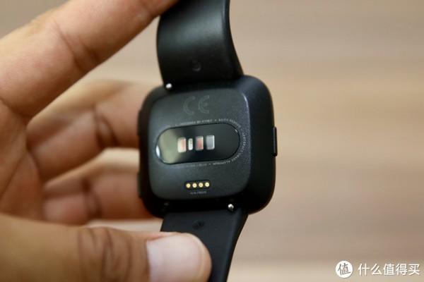 Fitbit Versa智能运动手表开箱