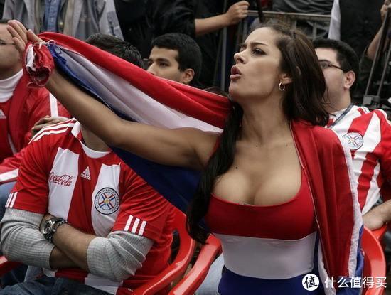 迷人的风景线:因世界杯而走红的美女球迷大盘点