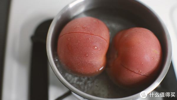 想吃小龙虾不剥龙虾壳?不如试试这款双拼小龙虾披萨!在家就可以做哦