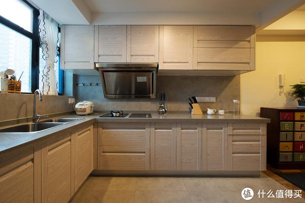 装修设计 篇四:装修设计丨二居室地中海装修风格,把海景搬回家