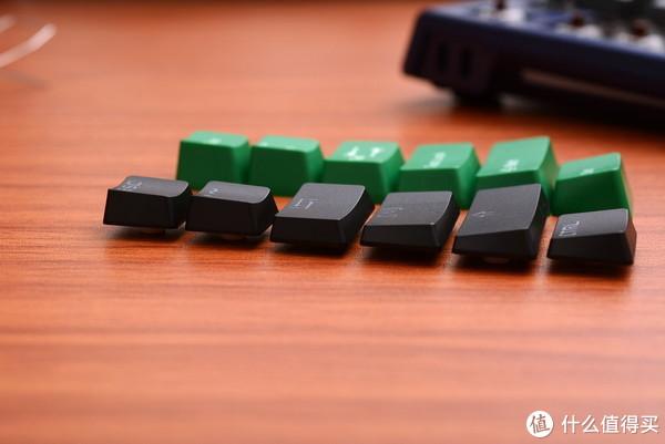 黑色为DUCKY SHINE6的键帽,是不是更过分