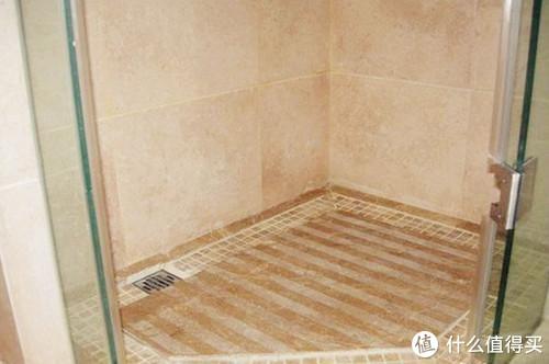 你家淋浴房还在贴瓷砖,现在流行这么做,防滑的同时更显档次