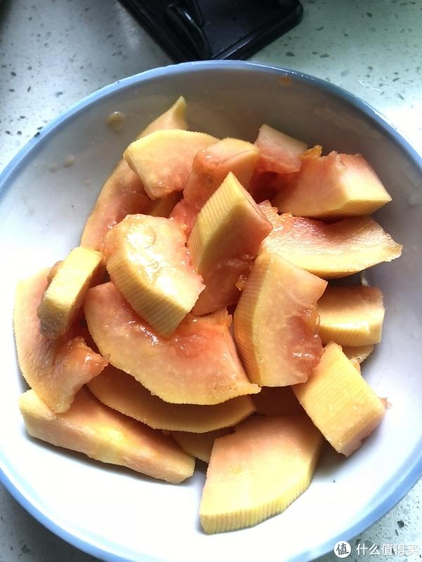 在泡发时可以将木瓜处理好