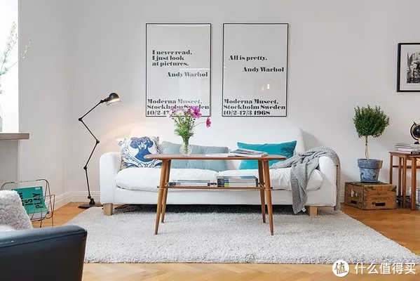告别乡村KTV风,沙发背景墙如何设计更显格调?