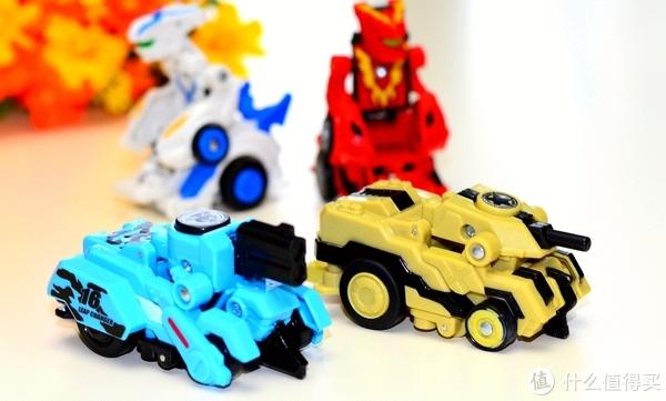 玩出新创意,挑战无界限—跳跃战士玩具开箱