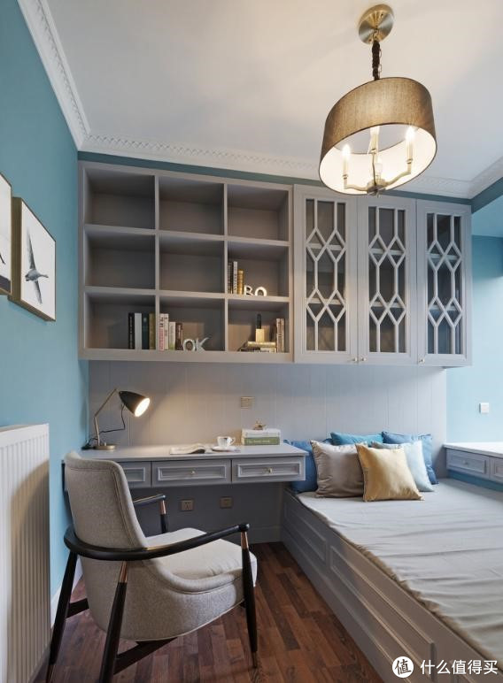 室内空间有限,用榻榻米做个组合柜,客人来了也能住