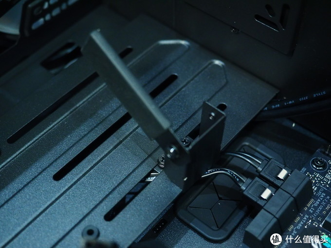 狂放不羁的RGB——酷冷至尊 H500M ARGB游戏机箱