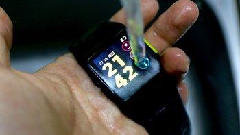好看好用的入门运动心率腕表 - 埃微 P1运动手表