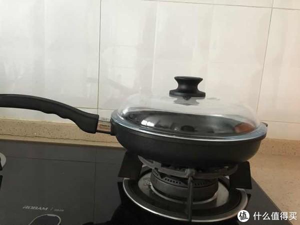 厨房美食养成记—德国原产DHT重型铸铝合金26cm不沾煎锅开箱