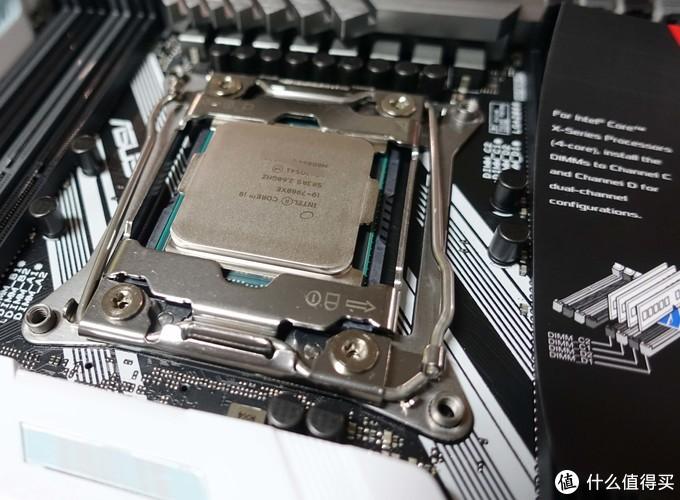 放CPU上去的时候真的有点手抖。。。