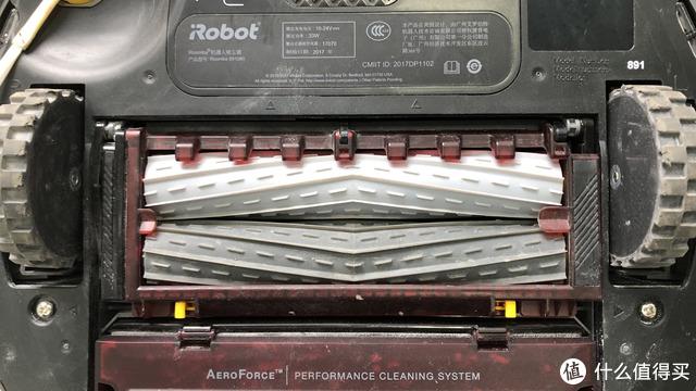 扫地机器人评测 | 最好的居然是两年前的旧款?