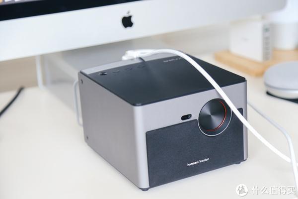 只要三千多,加倍你的客厅幸福感:极米H2 Slim投影仪