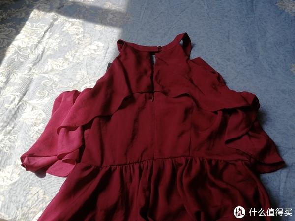 盛夏红裙正当时——ONLY挂脖连衣裙开箱