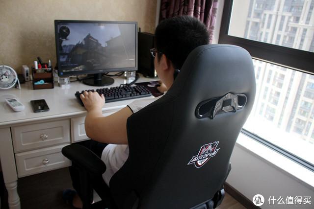 【鸟枪换炮】从190块电脑椅升级到1000块电竞椅, 傲风AFYP001初体验!