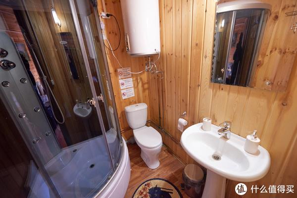 房间内有淋浴在岛上已经算条件不错