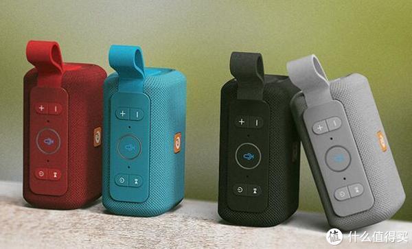 手掌大小的DOSS AI音箱,不仅能防水、防尘还能聊天对话