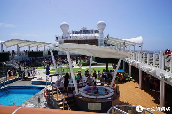 最适合亲子出游的的地方竟然不在陆地而在船上!诺唯真喜悦号追风之旅了解一下?