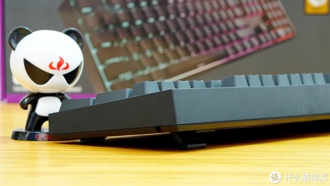 出厂自带PBT双色侧刻键帽的RGB键盘——酷冷至尊(CoolerMaster) CK372 RGB 茶轴 机械键盘