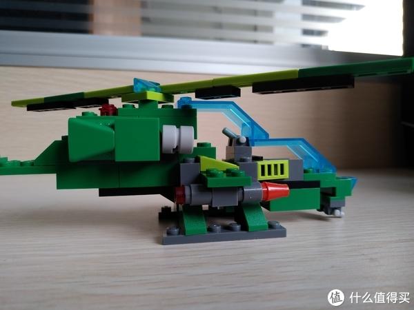 武装直升机 全部用料古迪积木 丛林突袭8206B两套