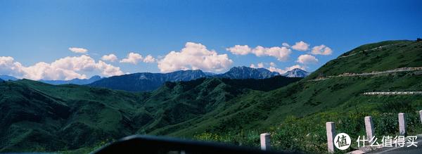 沿着排山公路翻越天山