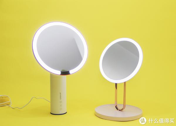 AMIRO小白镜要插电使用,而斐色耐芭蕾充电后可任意移动