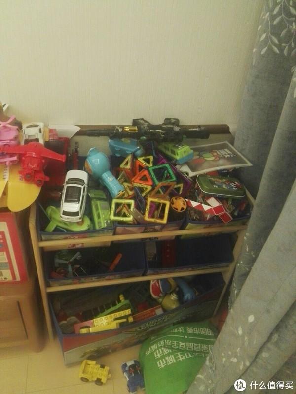 小户型收纳大法:占地0.28平米,搞定玩具收纳+游戏角