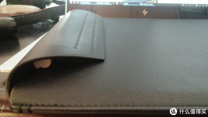 然而放笔的位置好迷。。。目前心水bluelounge的内胆包,等我有钱了。。。
