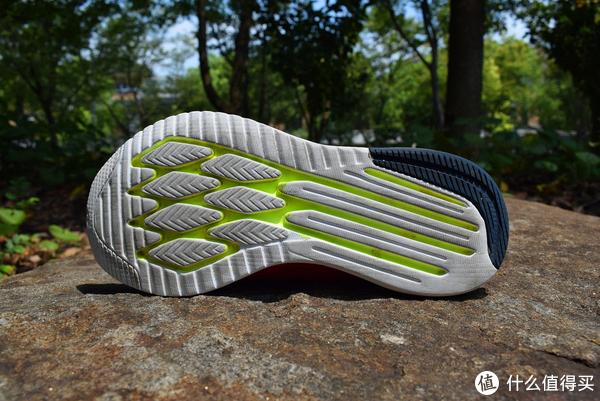 轻•薄•艳之夏跑鞋—New Balance FuelCore 5000跑鞋实测