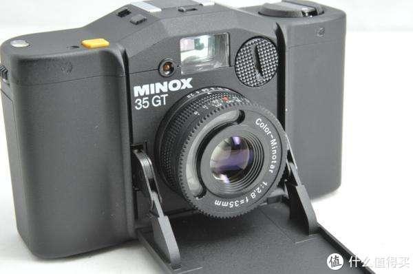塑料玩具般的Minox 35GT