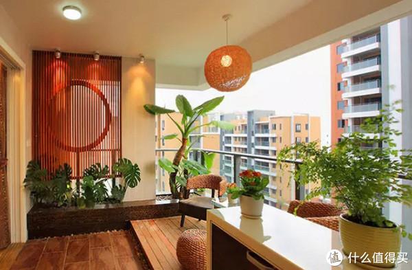 想不到阳台竟然能这么装,瞬间变花园美观还舒心,要学!
