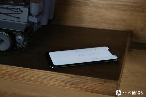 网红红辣椒R15首发评测:千元手机的诚意之作