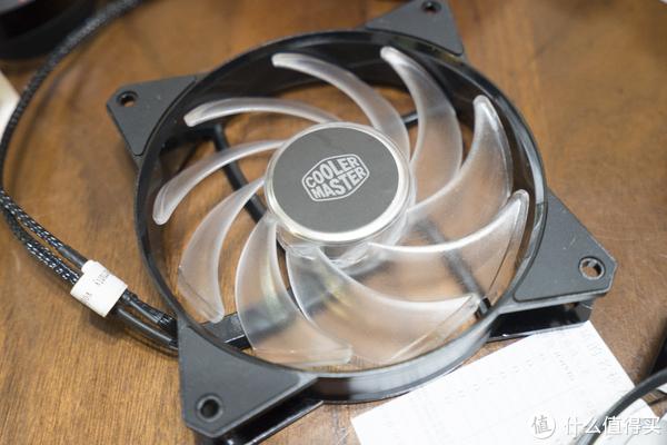 绚丽多姿—酷冷至尊 MasterFan MF120R A-RGB风扇开箱