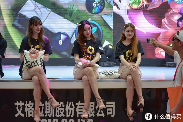 ChinaJoy2018上的小姐姐们,你喜欢哪一位?(多图)