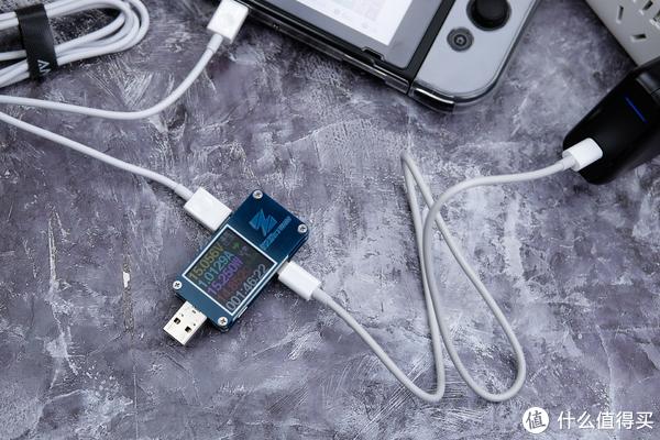 """随身带小巧的造型代替Switch欧版的""""粗又大""""充电器:Anker USB-C 30W PD快速充电器"""