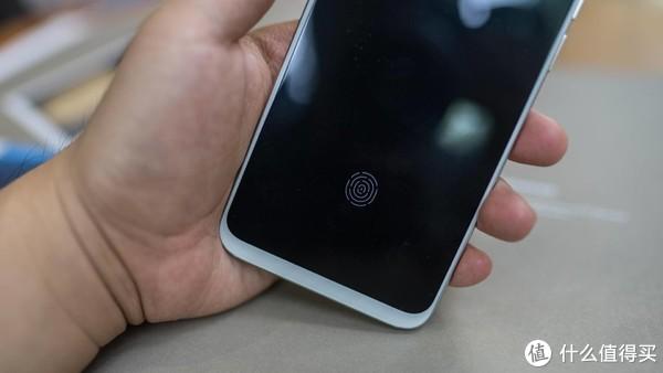 魅族16th首发开箱:体验满分的屏下指纹+完美手感