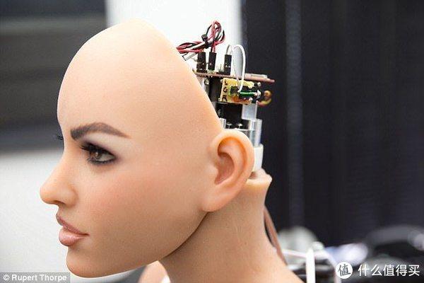 在未来的娃娃,不仅搭载了AI还能做各种动作