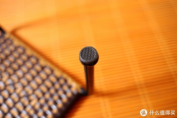 高度适中,承重200斤的小藤椅使用测评