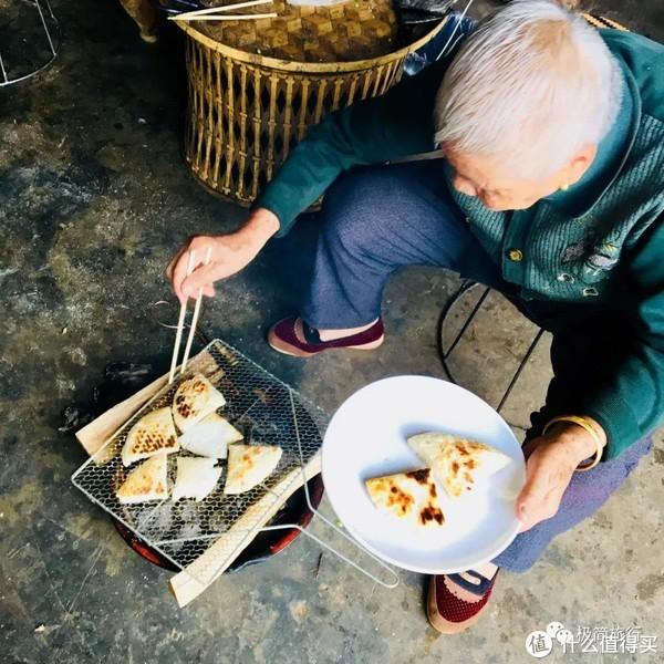 ▲奶奶很喜欢吃糯米粑粑