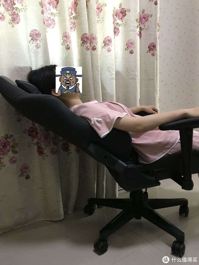 舒适的感受试试傲风电竞椅,也许会有不一样的体验