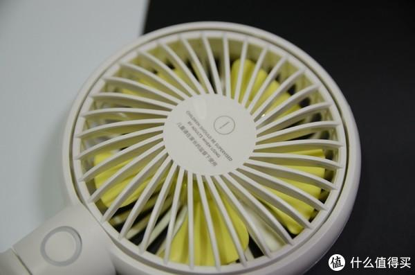 不会做支架的贴膜厂做不出好电扇,邦克仕benks多功能手持小风扇