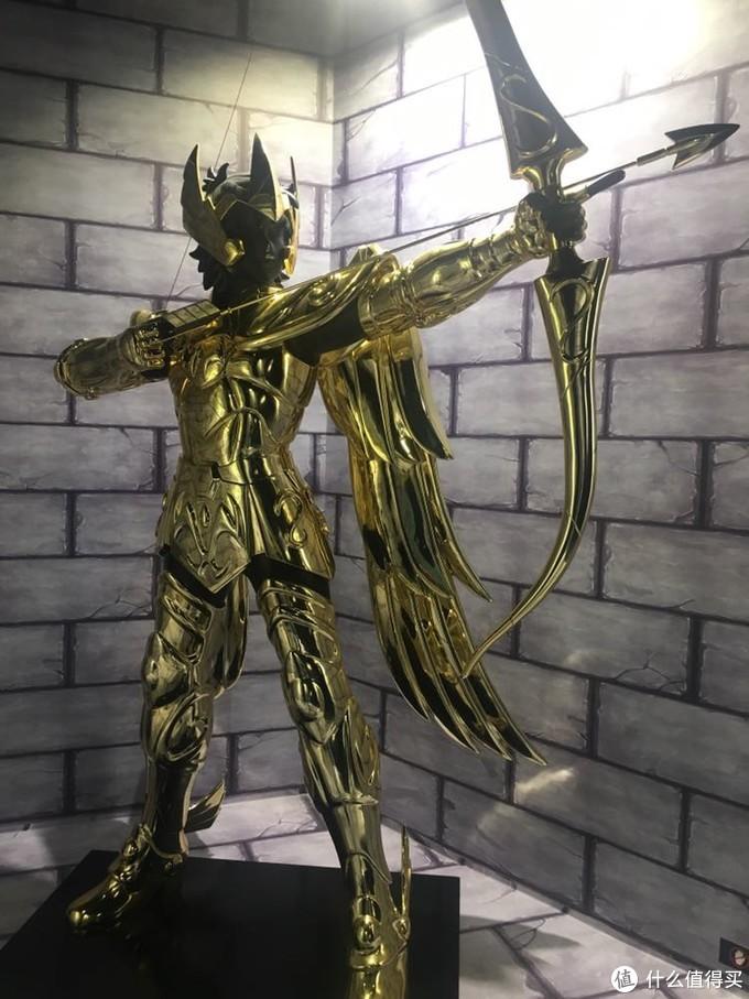 最先让人神往的黄金圣衣!