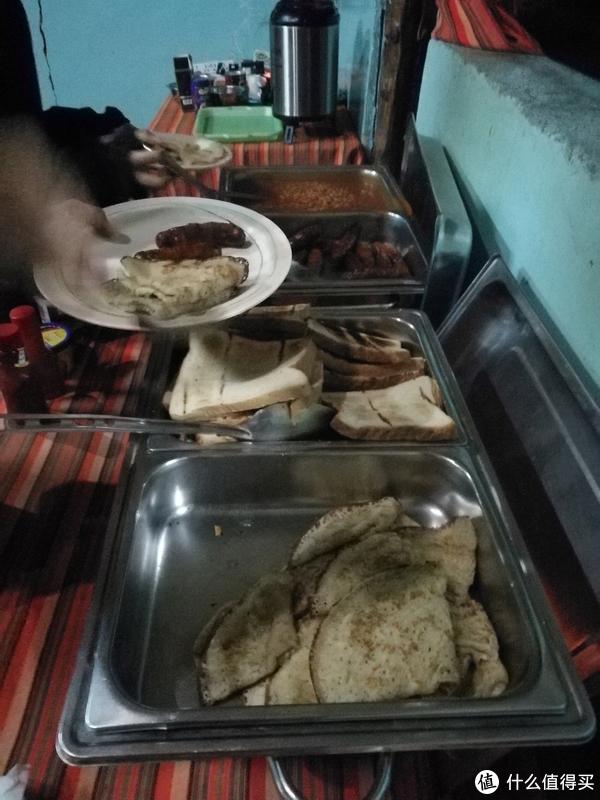 吃的是这样的简餐,虽然每餐都有肉。但是厨师厨艺不符合中国人的口味
