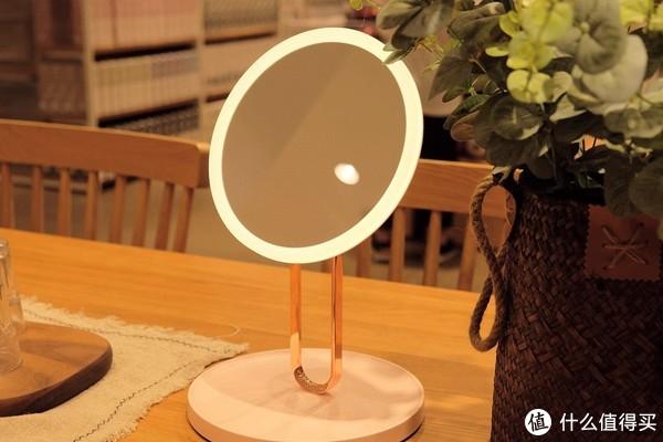 售价349元的智能化妆镜,支持自然光色,七夕礼物首选