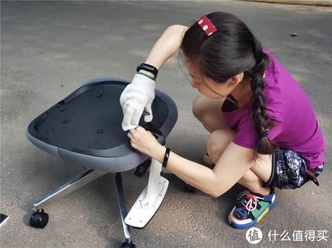 黑白调双腰托电脑椅:清凉护腰,夏天少不了它!