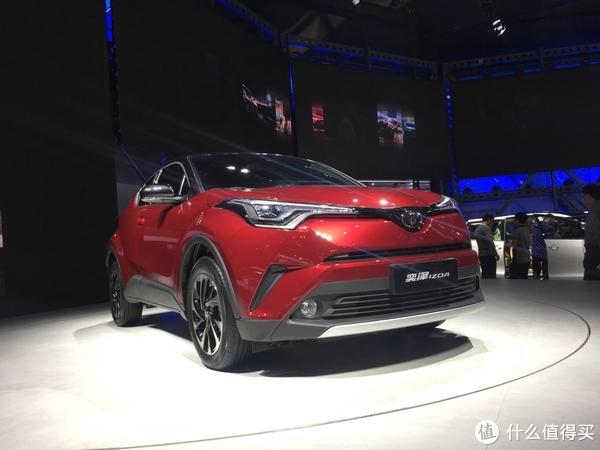 在4S简单试驾C-HR的中国亲戚IZOA奕泽