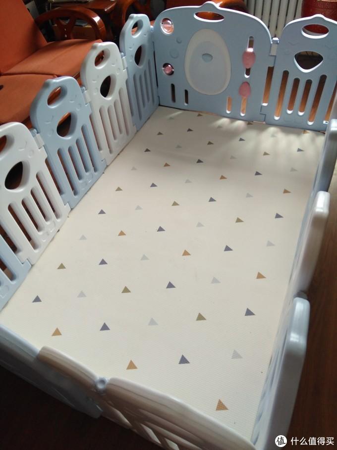 为孩子支起一片游乐天地——贝瓦PVC双面防滑地垫(爬行垫+围栏)