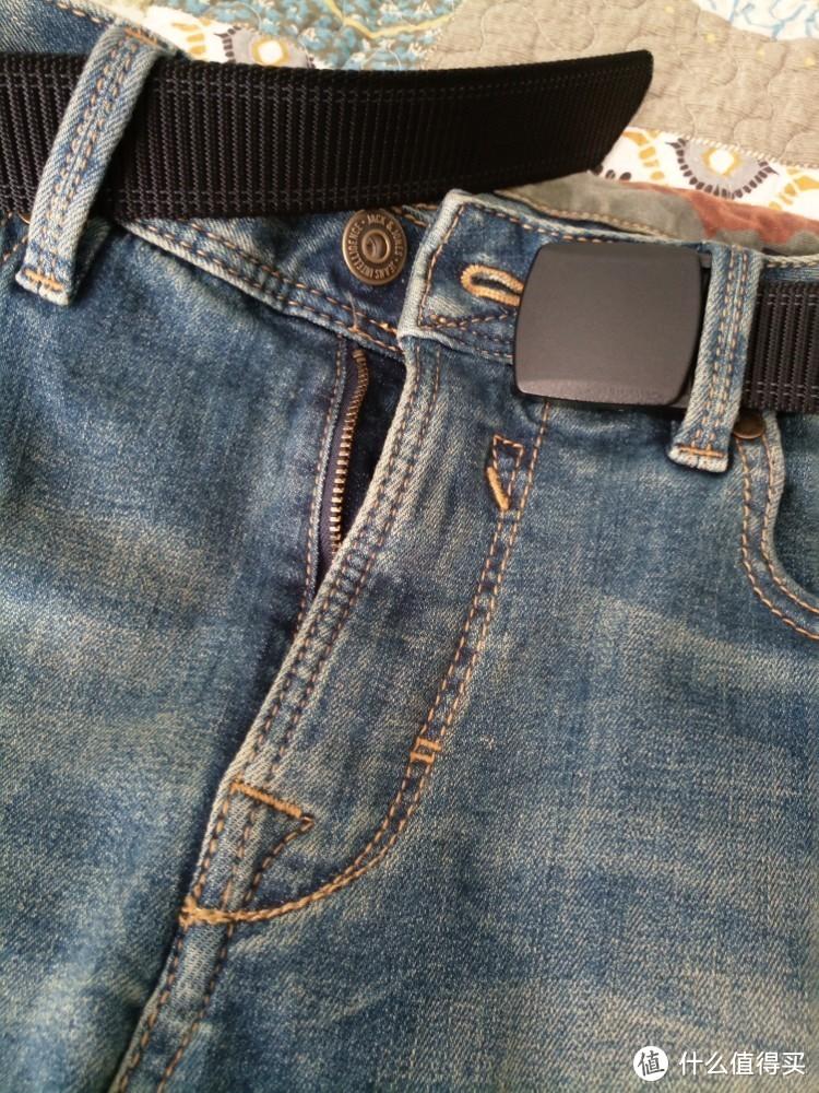 一条闷骚的牛仔短裤