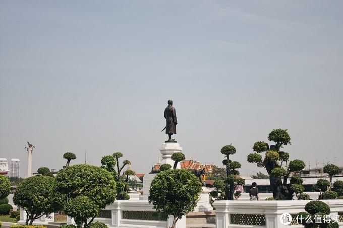 曼谷街拍告诉你:佳能 Canon EF 40mm f/2.8 STM定焦镜头买与不买的理由